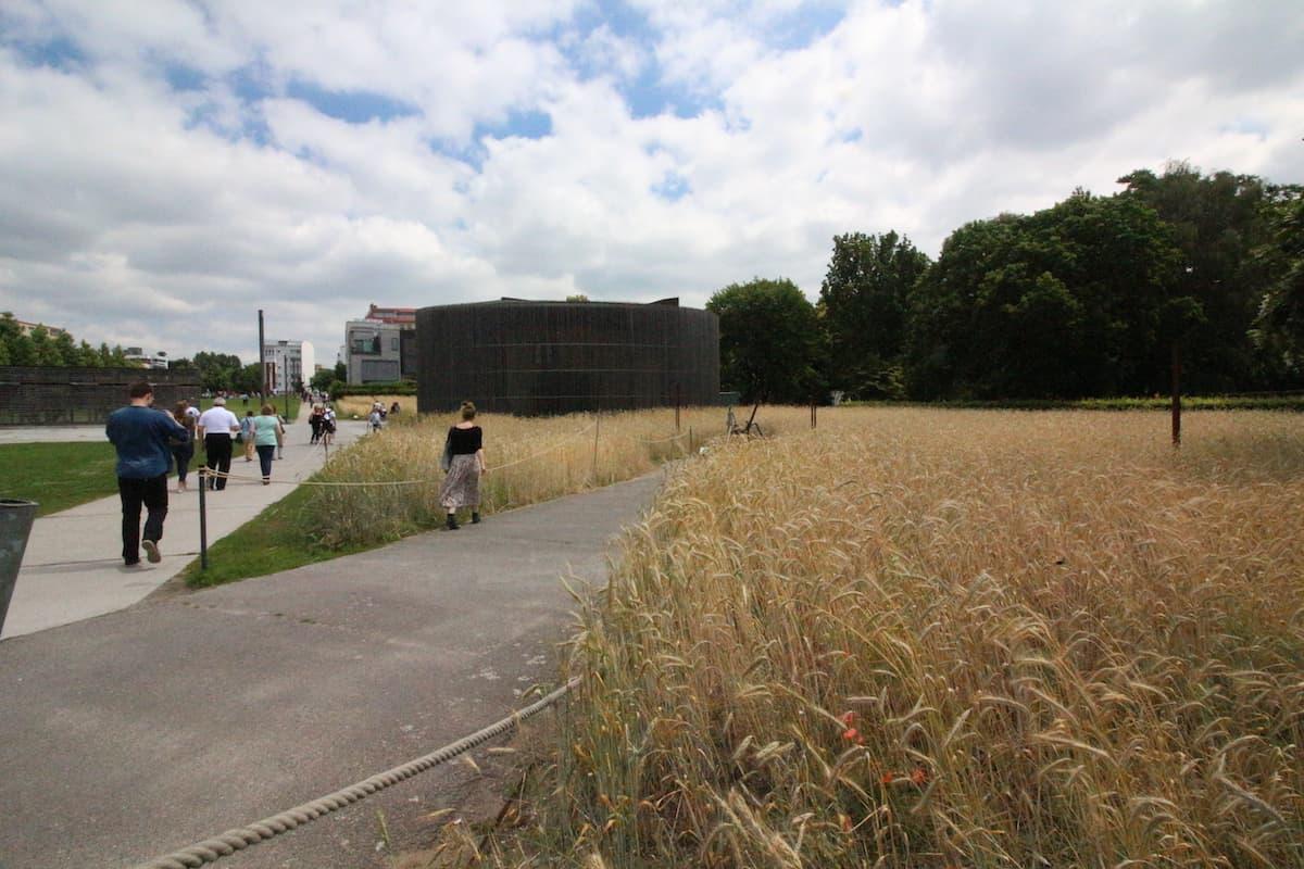 Bernauerstrasse berlijnse muur bezoeken